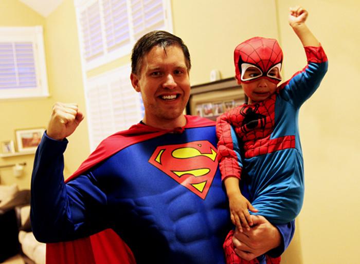 padre-e-hijo-superman-spiderman