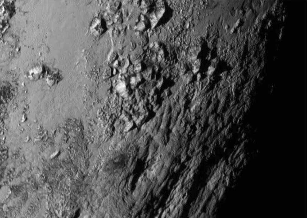 Los primeros resultados de New Horizons en Plutón