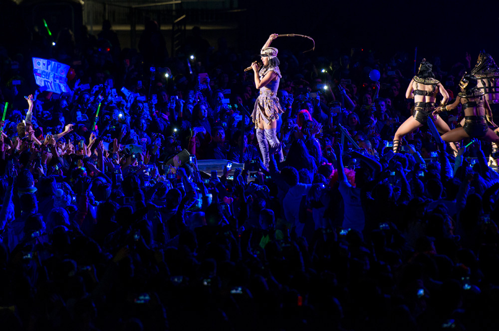 katy-perry-chile-13b
