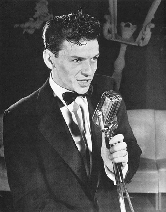 Frank Sinatra Life 1943