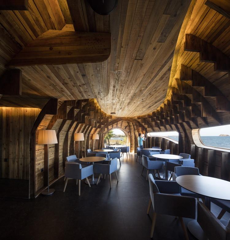 Hoteles y Restaurantes: Cella Bar