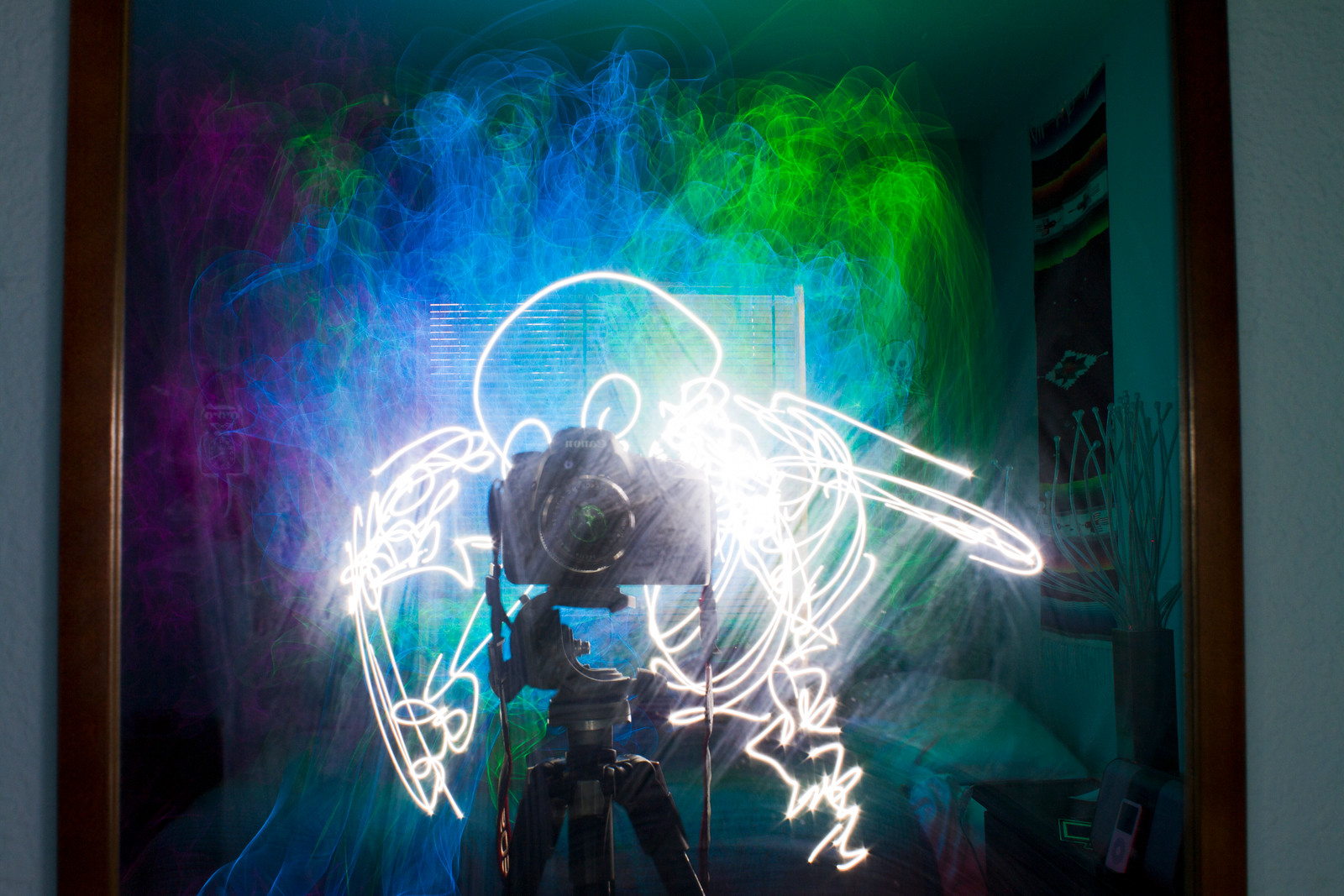 Las esculturas de luz de Darius Twin