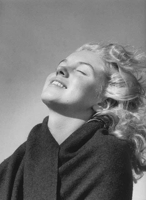 Norma Jeane Mortenson fotografías