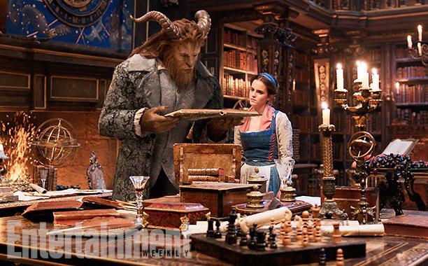 Emma Watson y Dan Stevens en La Bella y la Bestia